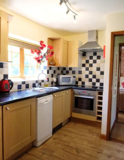 poppy-cottage-kitchen